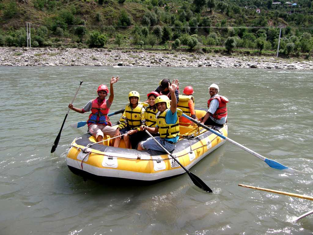 beas river, River Rafting Spots in India