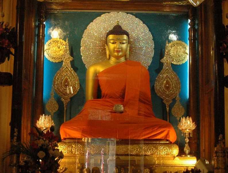 Gautham Buddha statue.