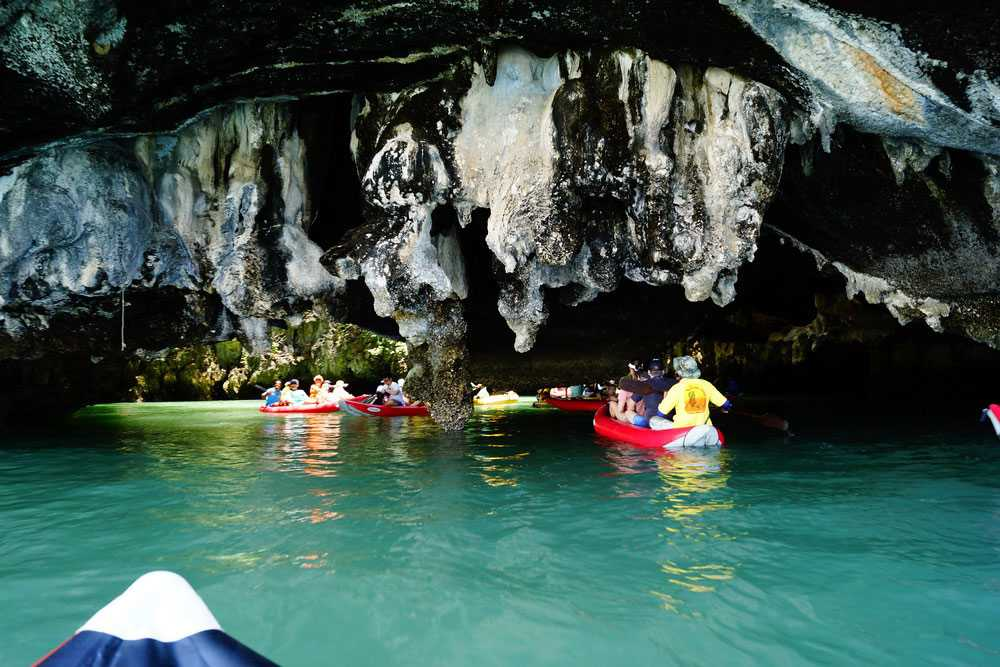 Cave Sea Kayaking, water sports in Mauritius