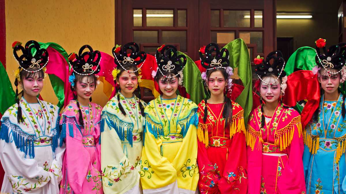 Vietnamese Girls during Tet