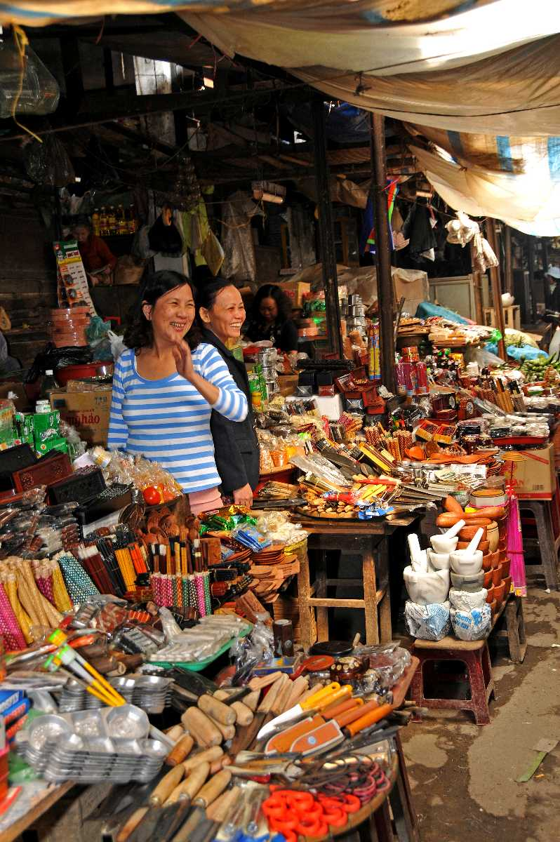 Pham Ngu Lao Shops
