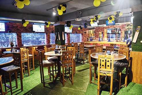 Hit Wicket, Cafes in Kolkata