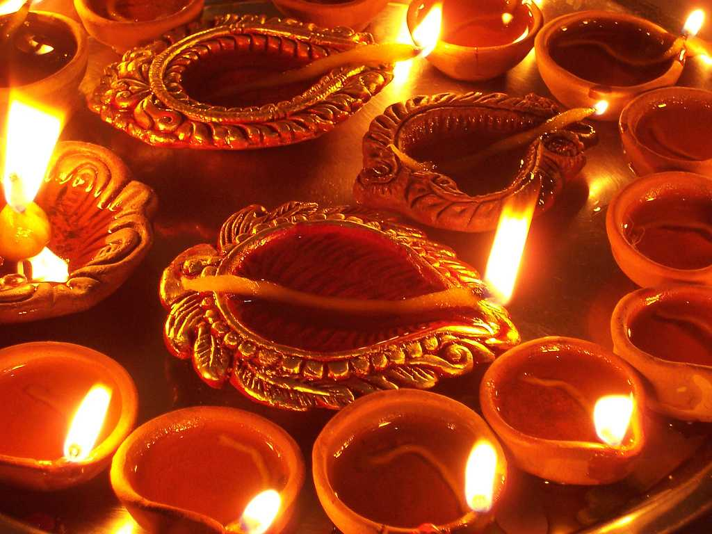 Diwali In Nepal Tihar 2020 Dates Traditions