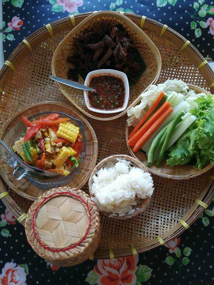 Dok Bua Vegetarian restaurant in Phuket
