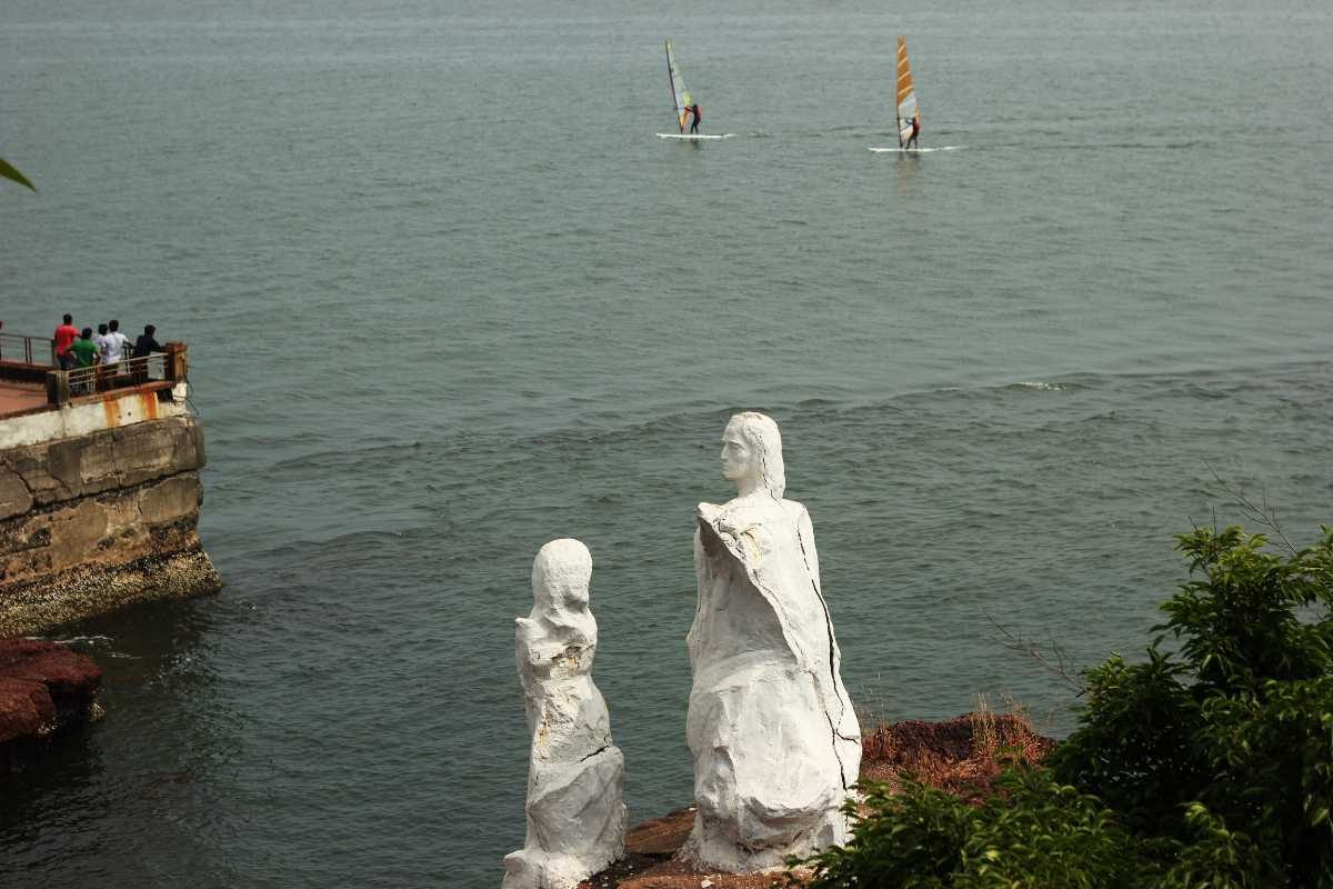 Parasailing in Goa, Dona Paula Beach