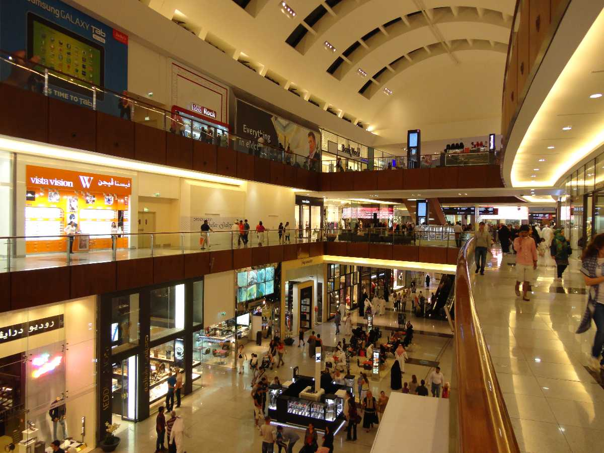 Indoor view of the Dubai Mall
