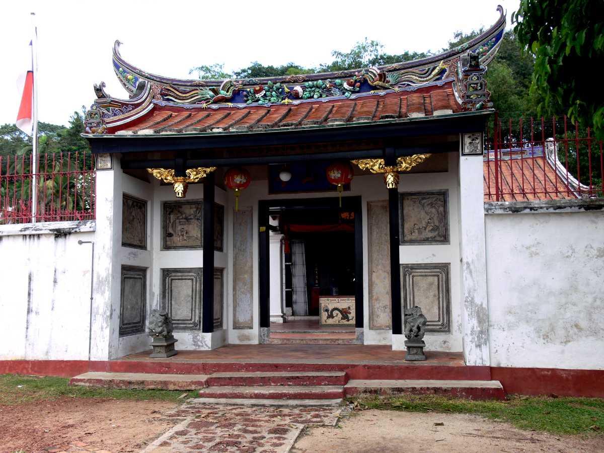 Poh San Teng Temple at Bukit Cina