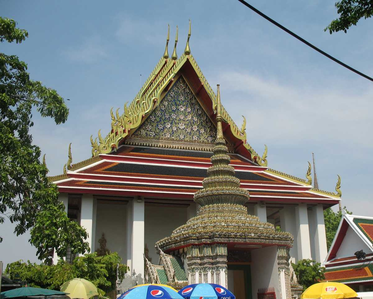 Entrance to Wat Pho