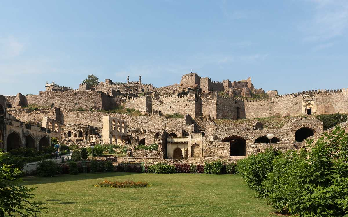Golconda Fort, Romantic Places in Hyderabad