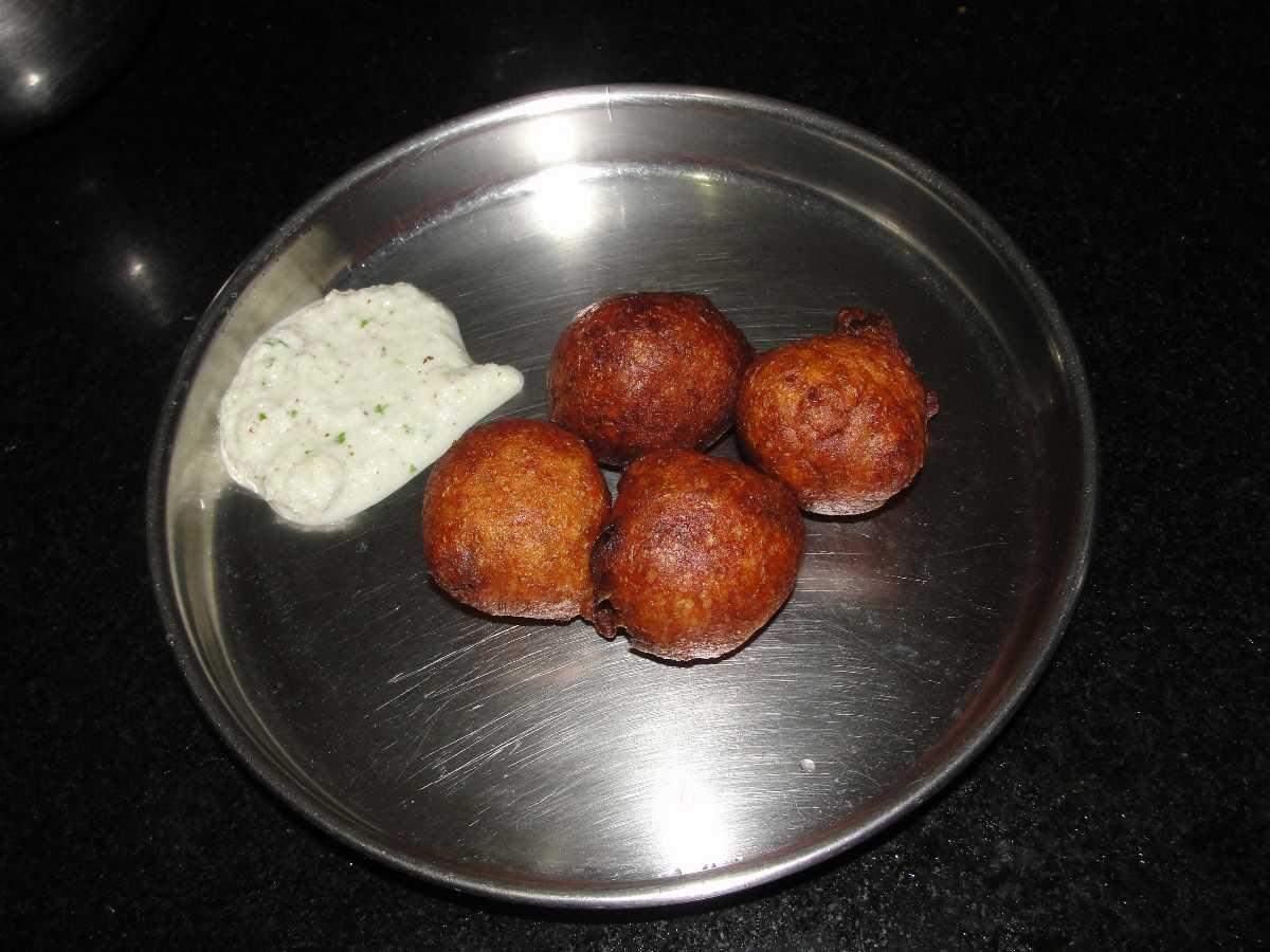 Goli Bajji, Food of Mangalore