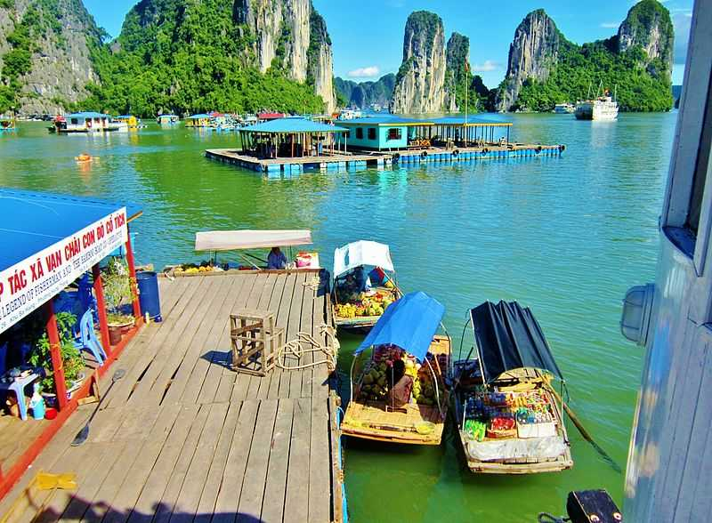 Floating Villages, a fun and interesting fact about Ha Long Bay