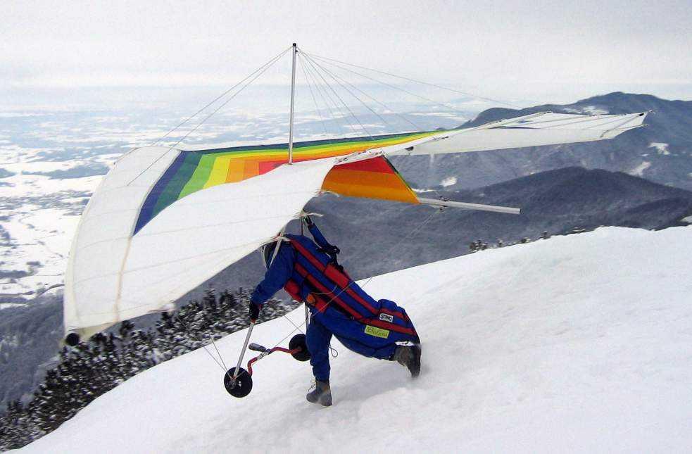 Hang-gliding in Bir, Himachal Pradesh