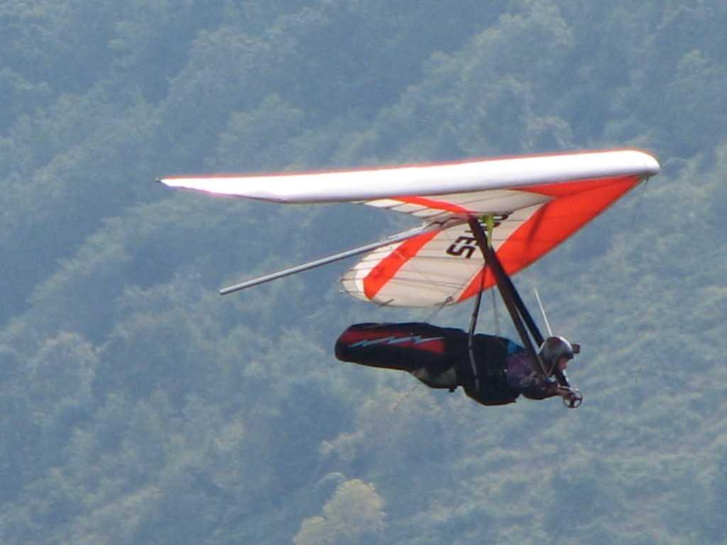 Hang-gliding in Indore, Madhya Pradesh