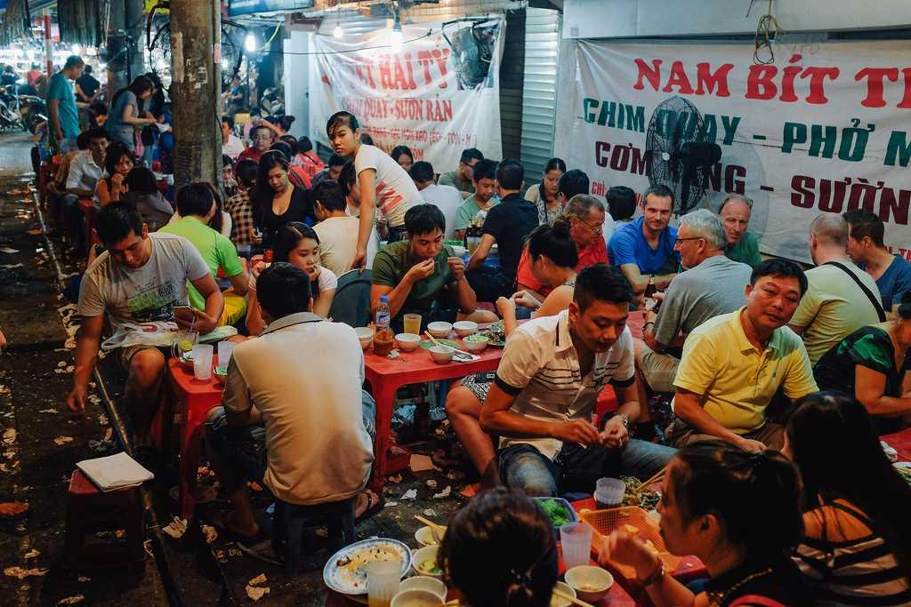 Nightlife in Hanoi Old Quarter, Bia Hoi Junction, Vietnam Nightlife