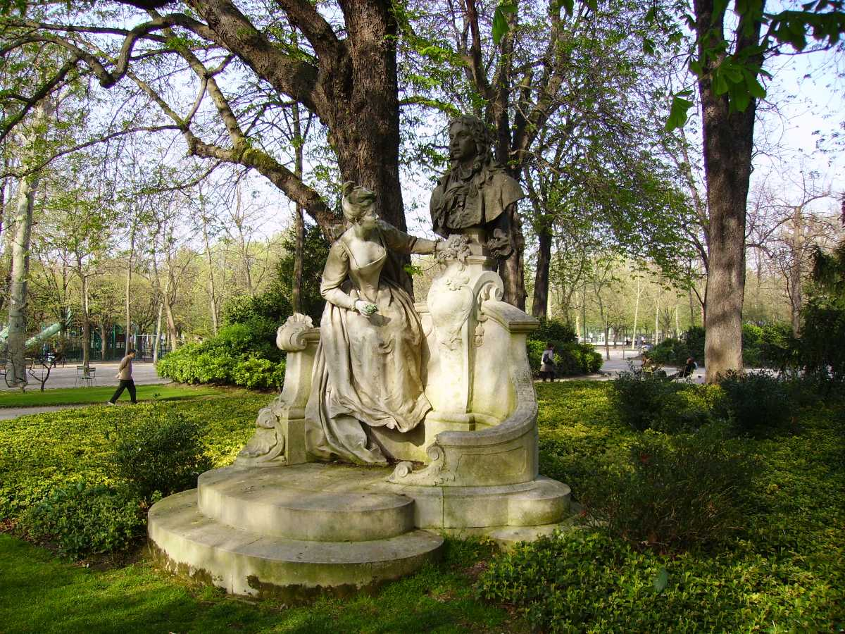 Statues at Luxembourg Palace