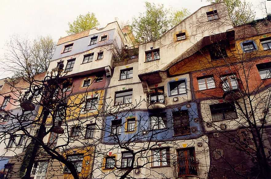 whacky building, colourful, Hundertwasserhaus