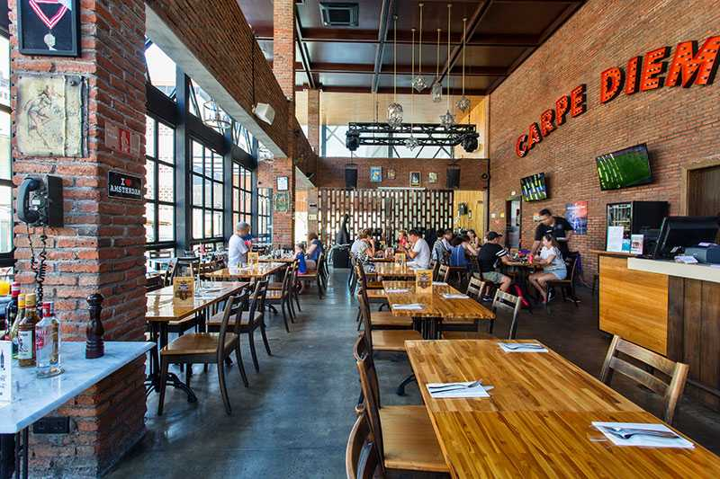 Romeo's Bar and Grill Restaurant at Legian Street Bali