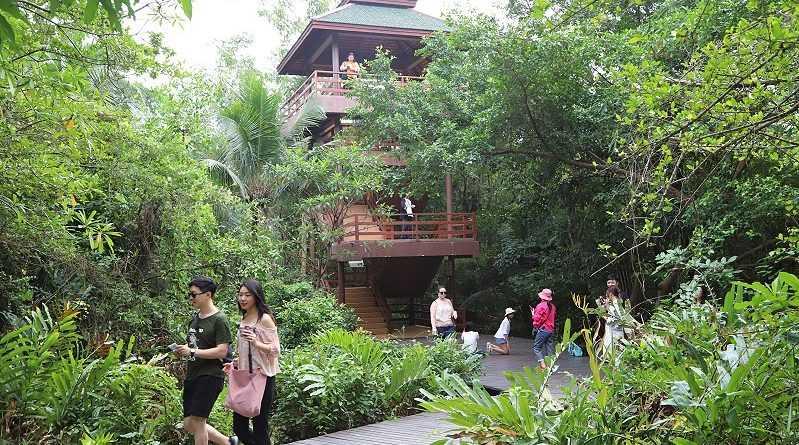 Sri Nakhon Khuean Khan Park and Botanical Gardens at Bang Krachao
