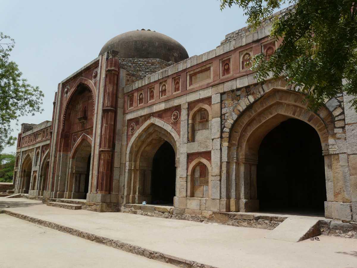 Jamali Kamali Masjid and Tomb