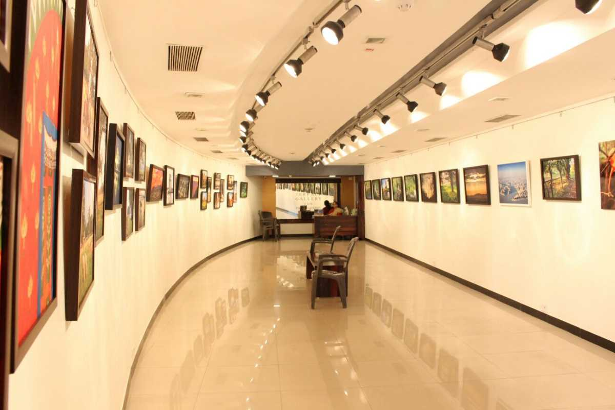 art galleries in india, jehangir art gallery mumbai