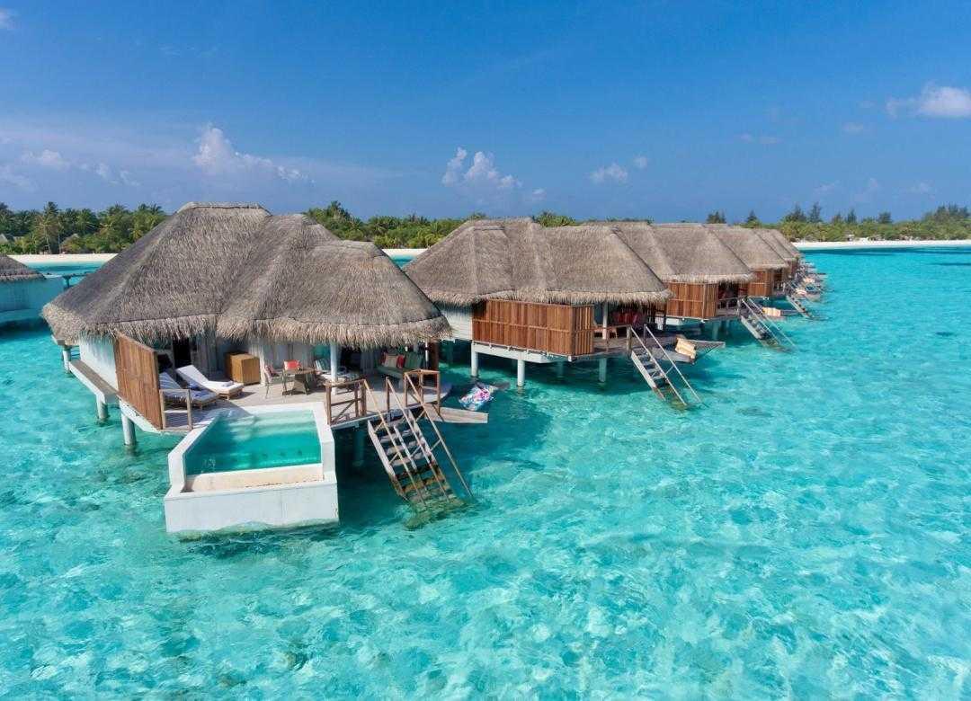 Kanuhura Resort Overwater bungalows in Maldives