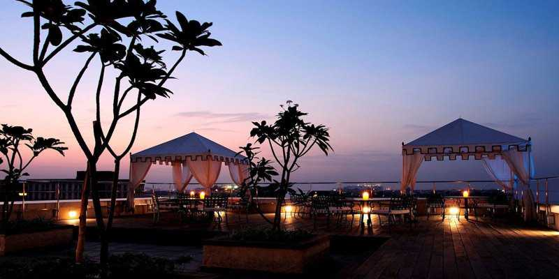 romantic places in chennai, shiraz art cafe