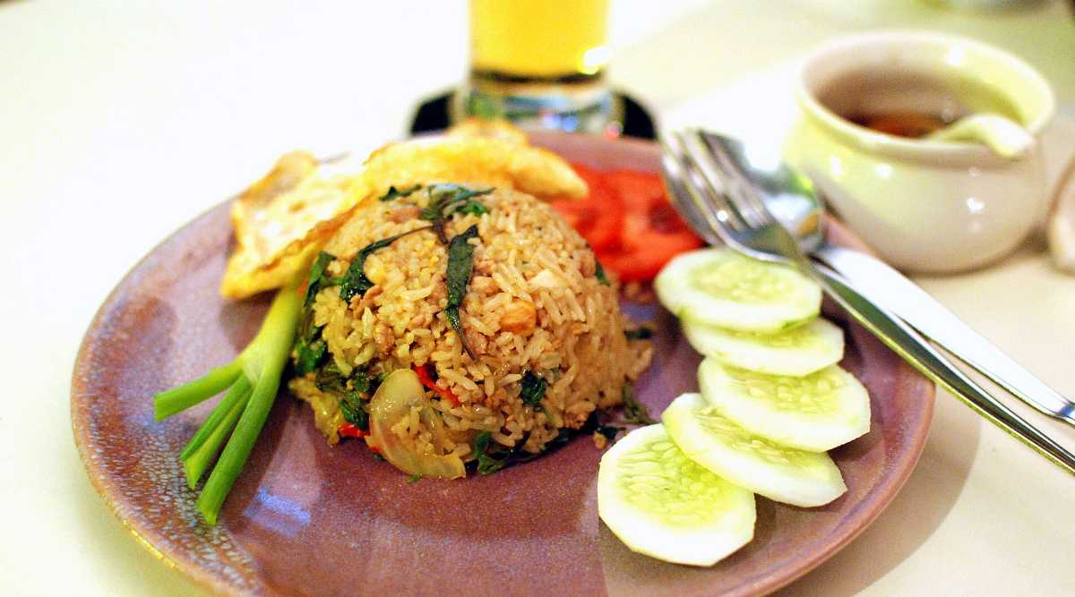 Khao Phat - the typical thai stir-fried rice