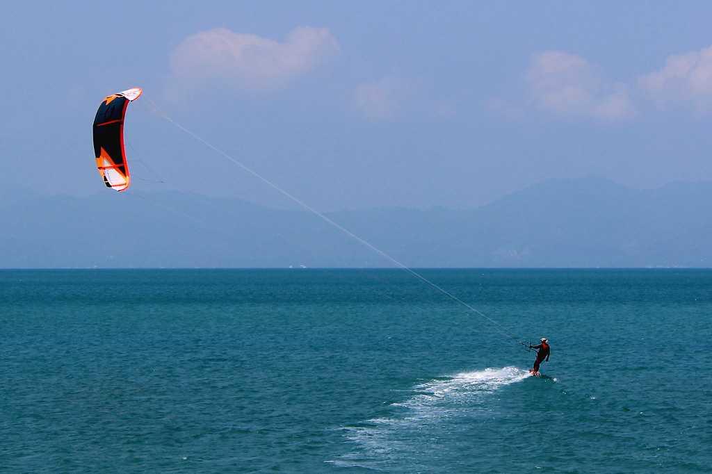 Kitesurfing in Phuket Thailand