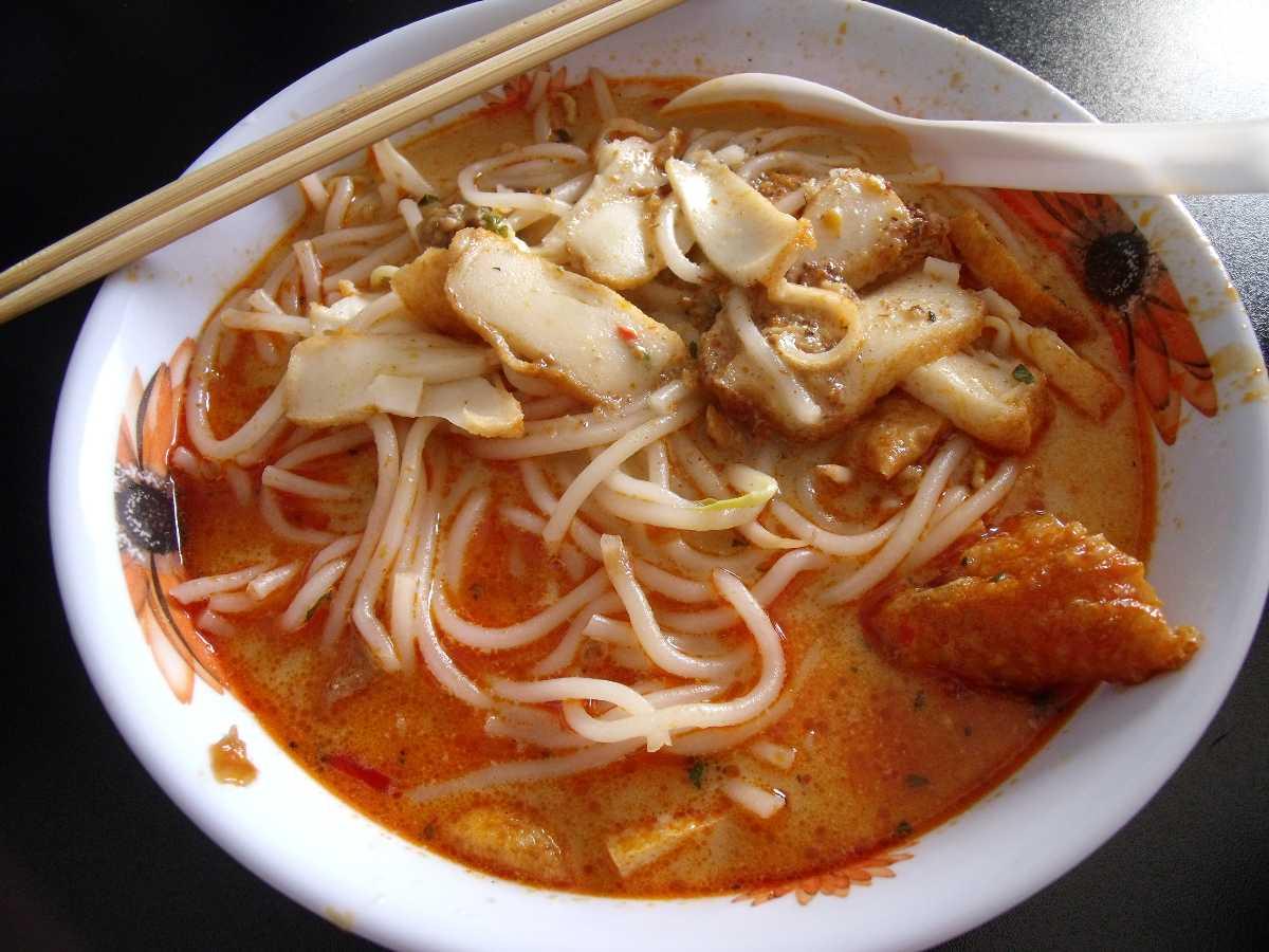 Laksa, Street Food in Singapore