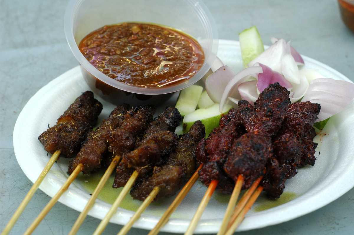 Satay, Food and drinks in Singapore
