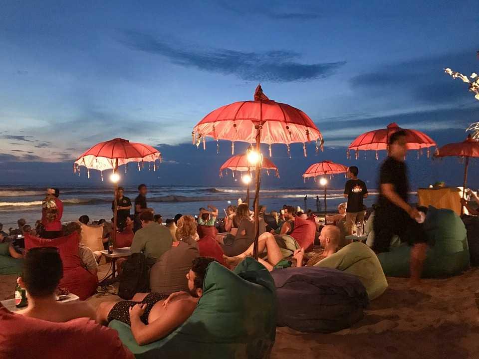 Honeymoon in Bali, Seminyak Beach