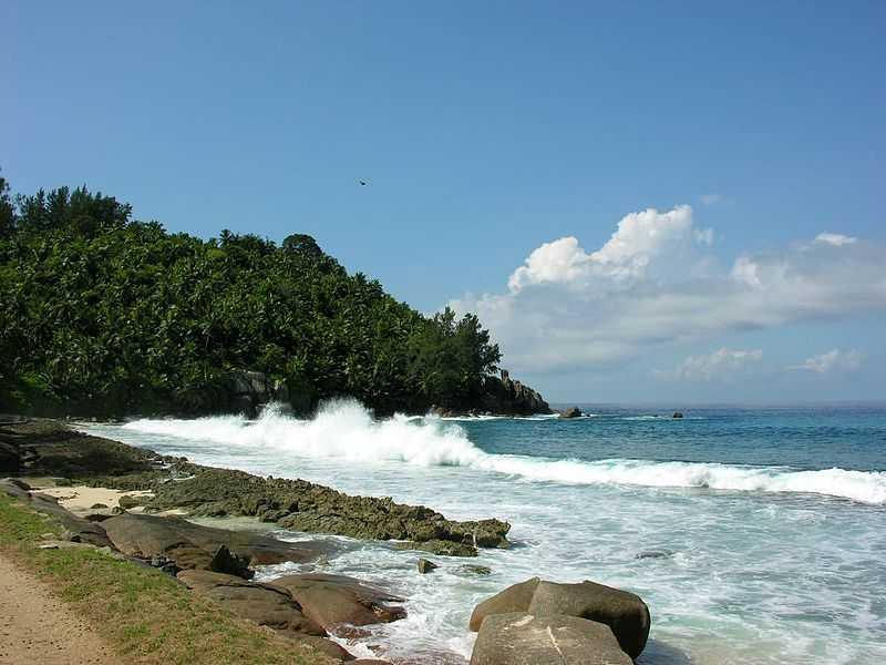Mahe Island, Surfing in Seychelles
