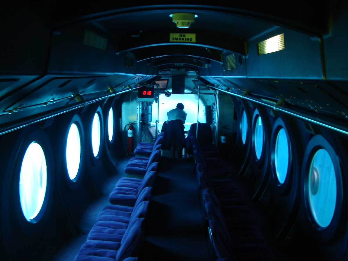 Submarine tour in Male