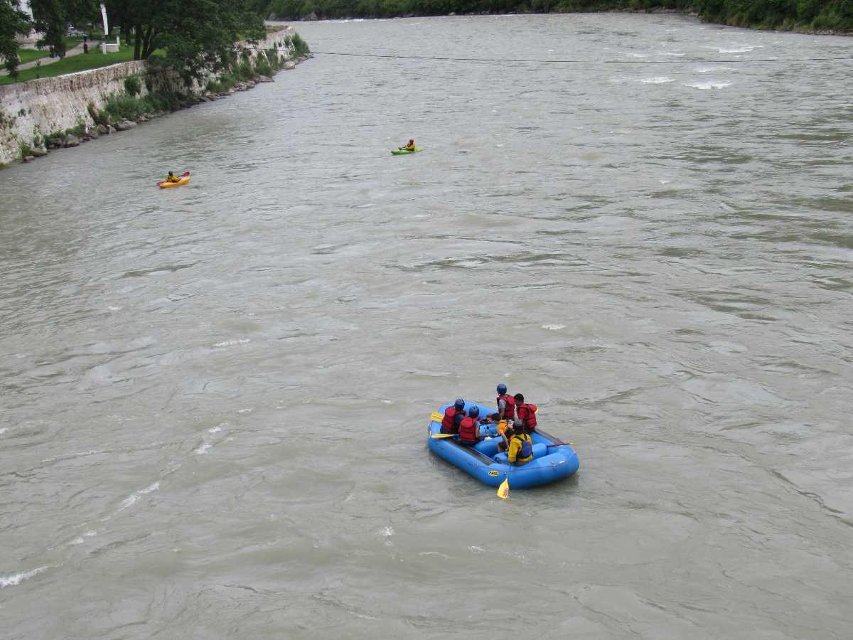 River Rafting at Mo Chhu