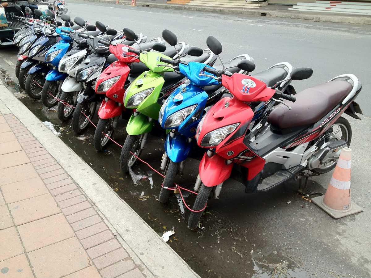 CHIC Motorbike