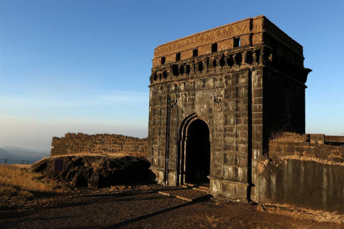 Summer Season, Raigad, Raigad Fort