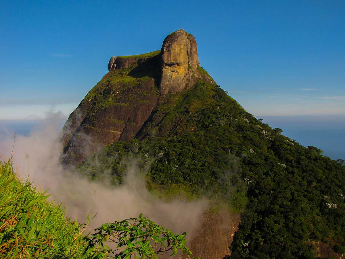 Gavea Stone, Places to Slackline in the world