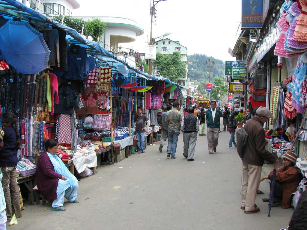 9 Places For Shopping in Darjeeling - What To Buy, Where to Buy