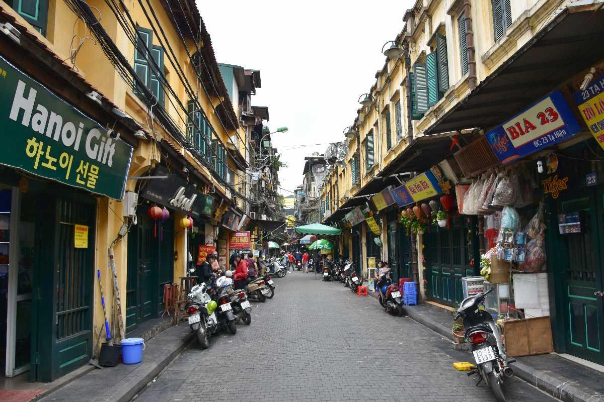 Walking Tour Hanoi Old Quarter