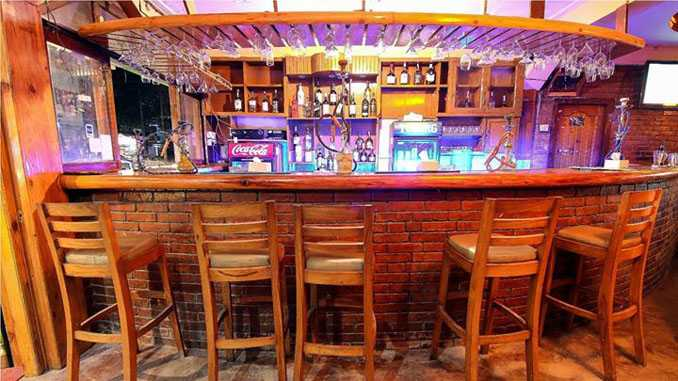 Paradiso Sports Bar and Grill, Nightlife in Pokhara