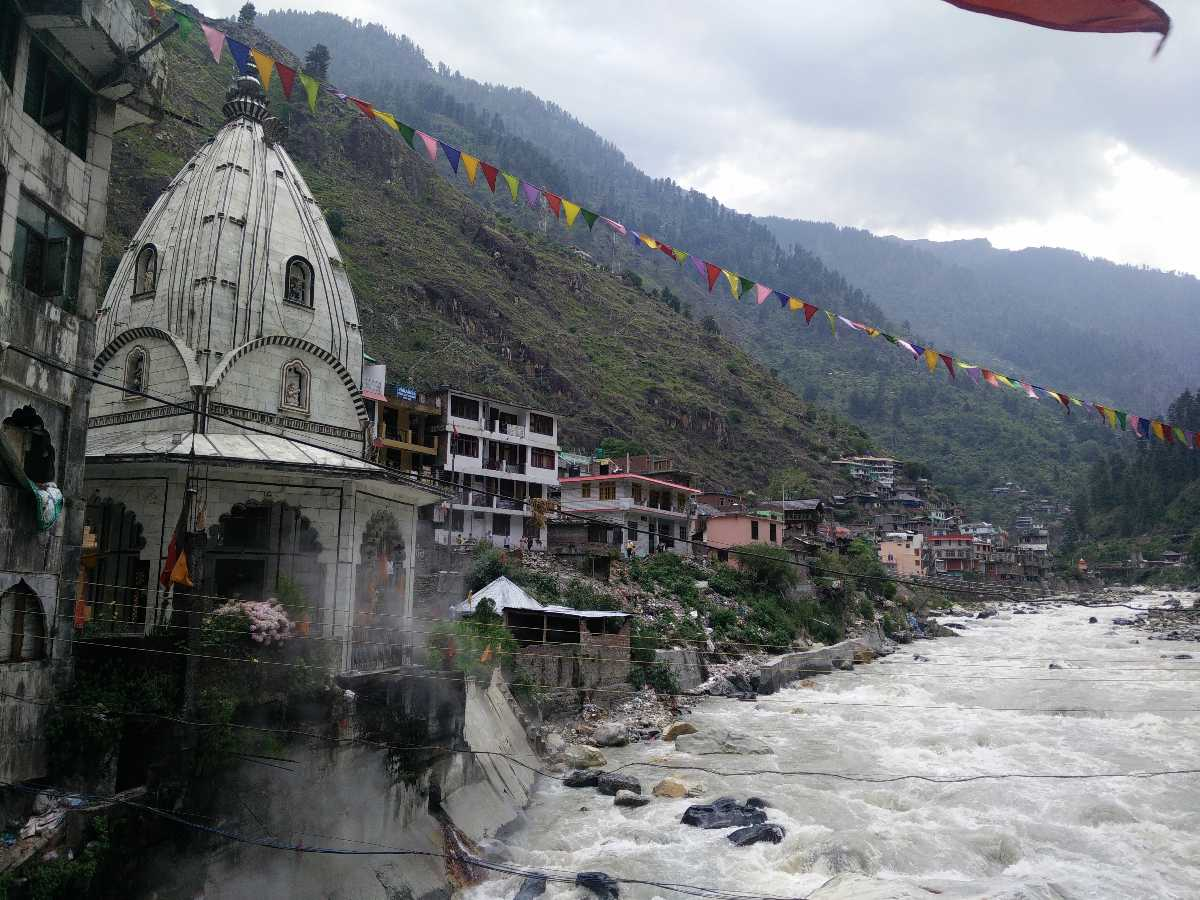 Parvati River at Manikaran