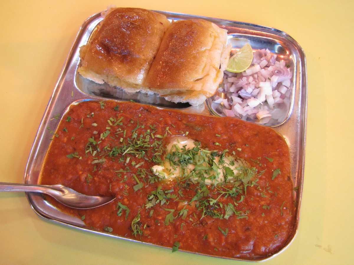 Pav Bhaji, Street foods in Vadodara