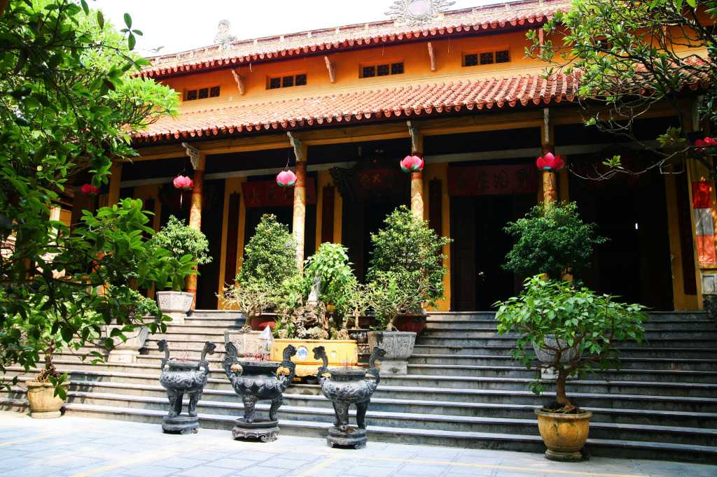 Quan Su Pagoda Hanoi Vietnam