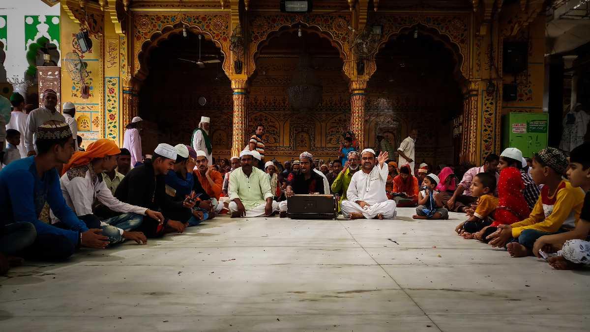 Qawwali performance at the Ajmer Sharif dargah