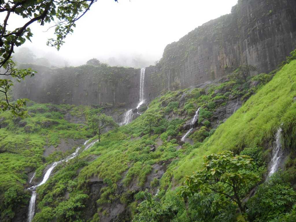 Monsoon Season, Raigad Buruj