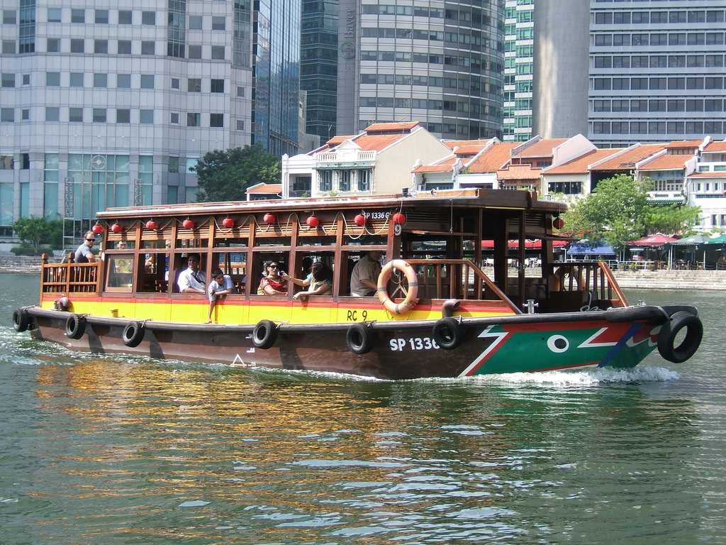 Singapore River Cruise Boat