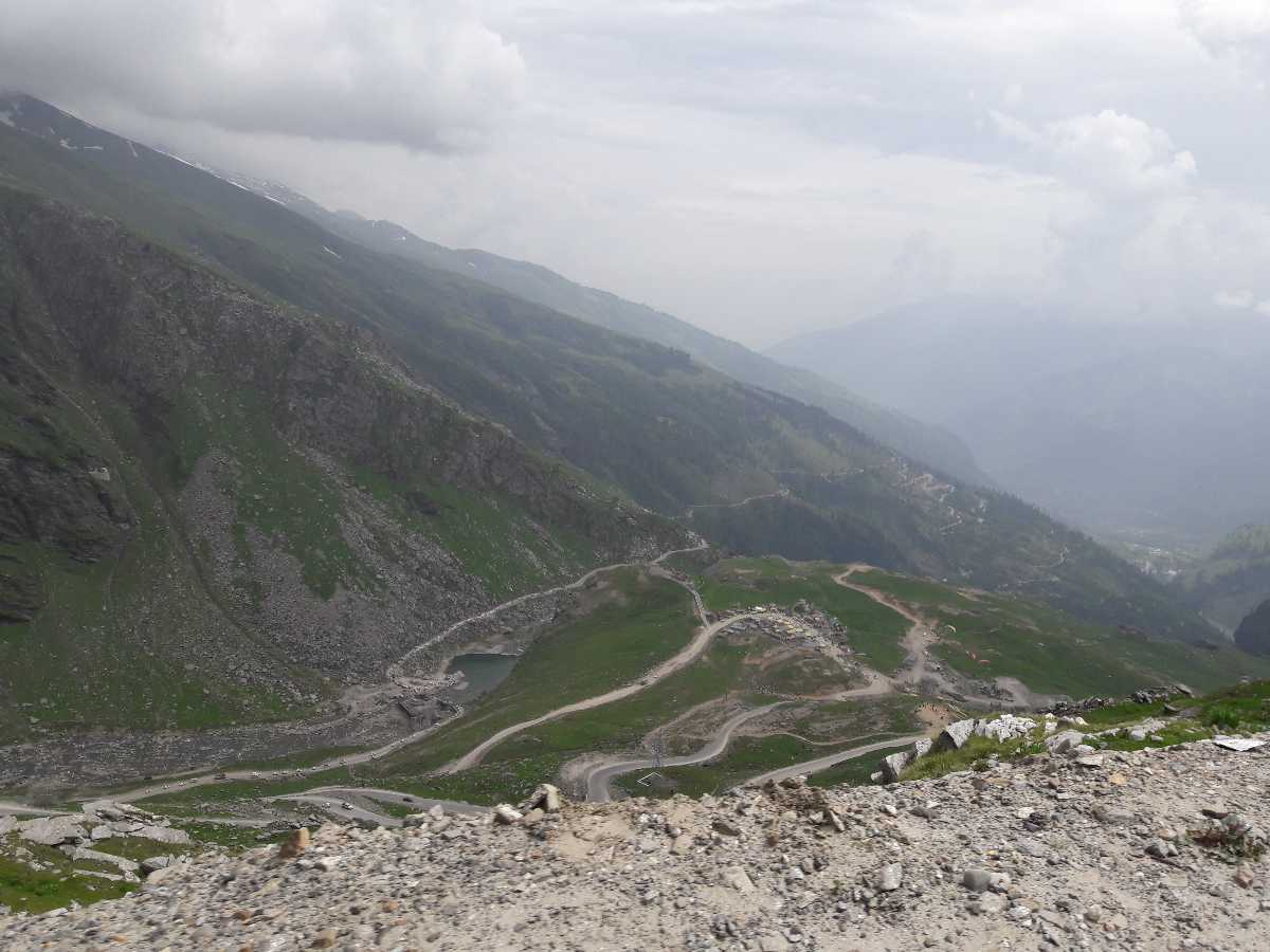 Road to Rohtang Pass from Manali
