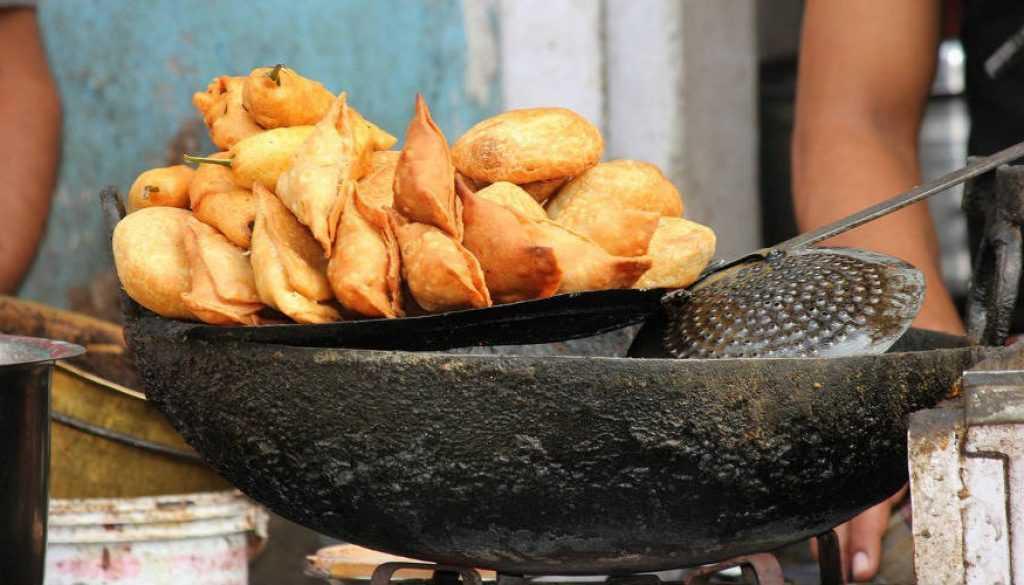 street food in nagpur, nagpur local food