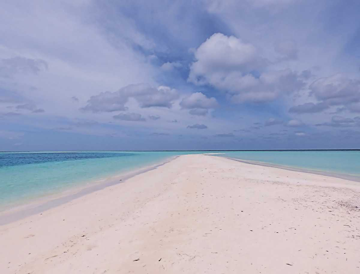 Private Sandbank Tour in the Maldives, the Most Luxurious Experiences around the World