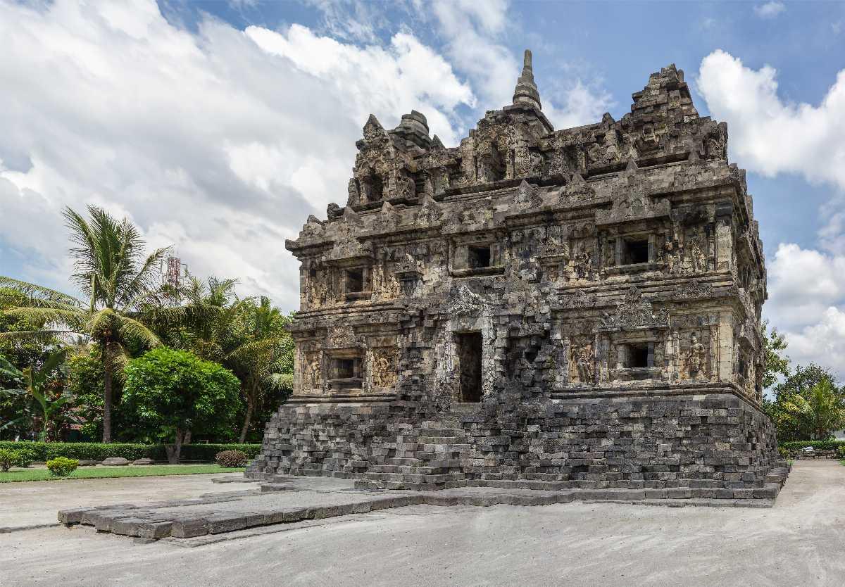 Puncak Sari Temple, Nusa Lembongan, Indonesia